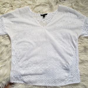 🆕️🌸Banana Republic Embroidered Top